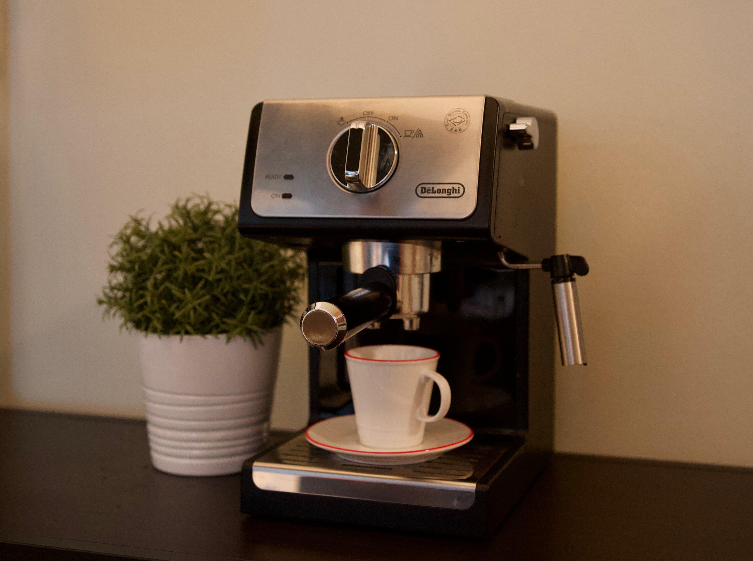De'Longhi Espresso Cappuccino Maker - More espresso, less depresso.