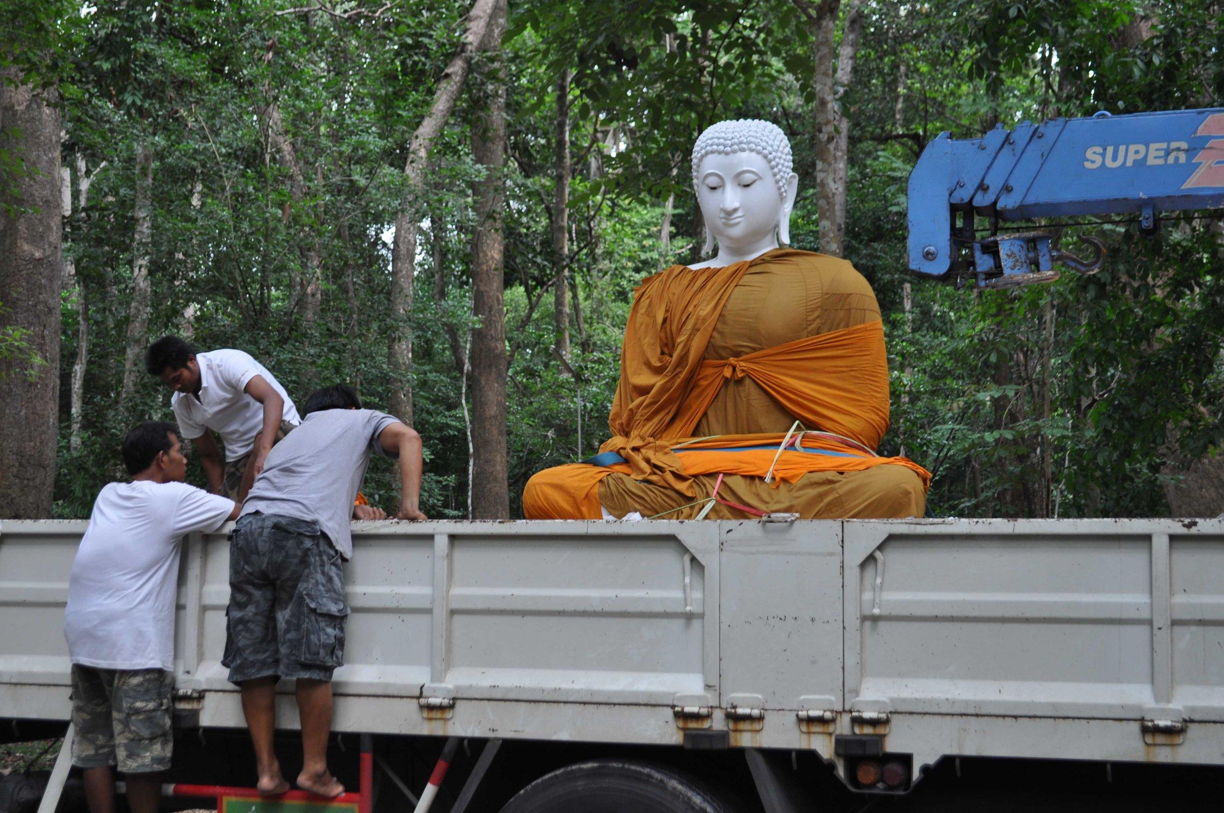 WPN Phra Buddhakaruna (6).jpg