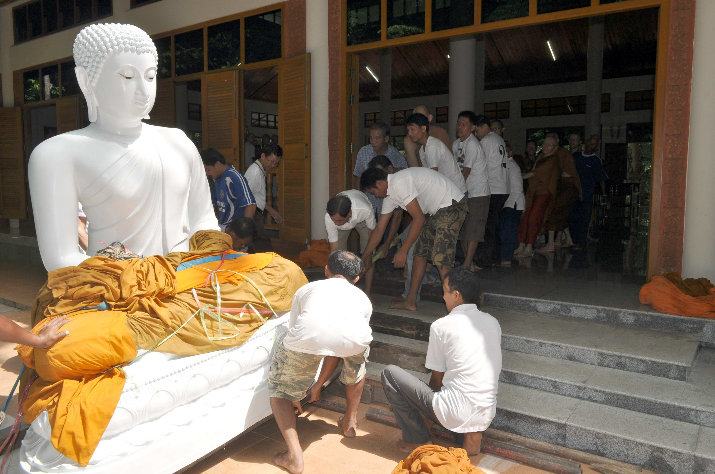 WPN Phra Buddhakaruna (8).jpg