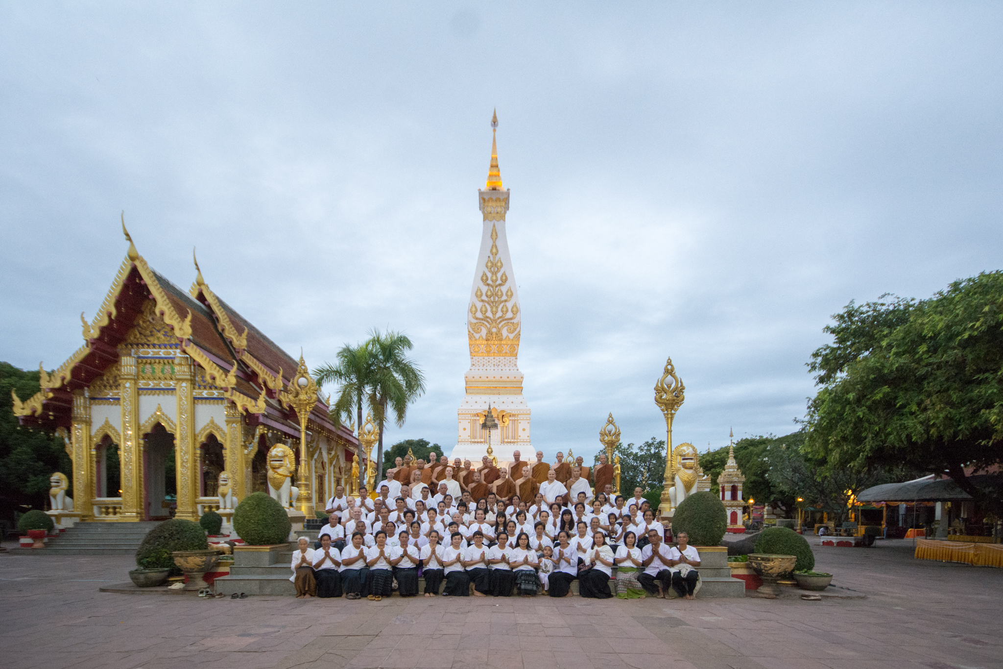 On the occasion of Ajahn Kevalis 50th Birthday, he and three monastic friends that also turned 50 in 2018 (Phrakhru Subbatapunnathada, Phrakhru Sangharak Sawaeng and Tan Ajahn Parivat) took the Sangha and the lay-community of Wat Pah Nanachat to pay respects, and meditate at Phra That Phanom Chedi in Nakhorn Phanom Province.