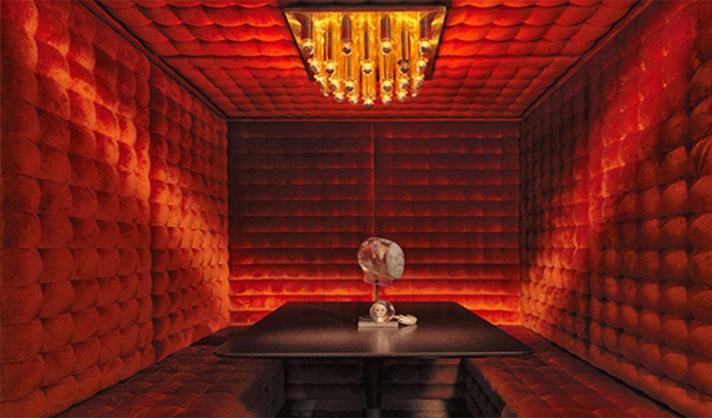 Waeska Bar 1 thethreedrinkers.com.jpg