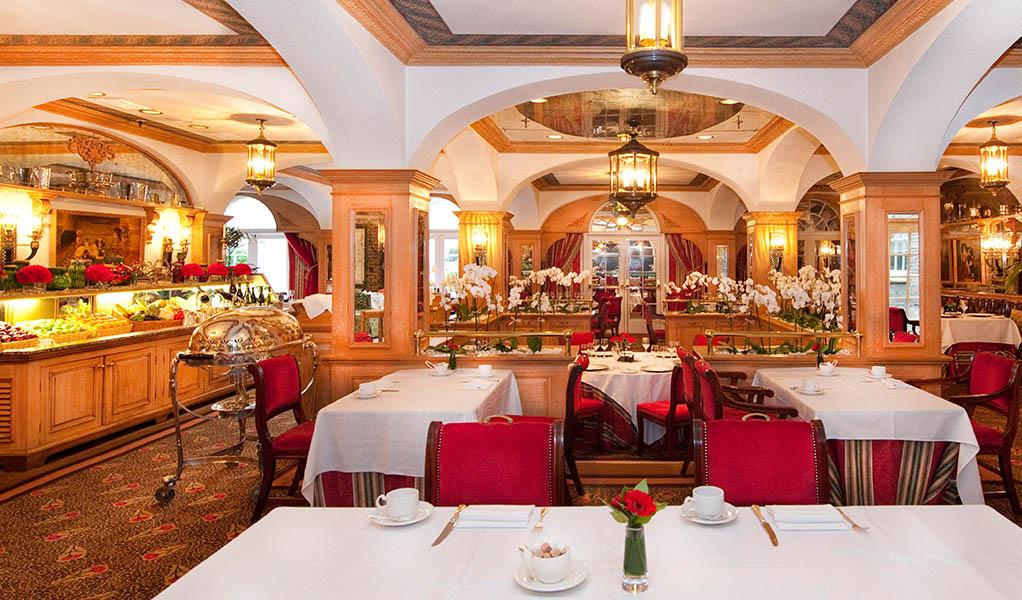 Chesterfield Hotel 3 thethreedrinkers.com.jpg