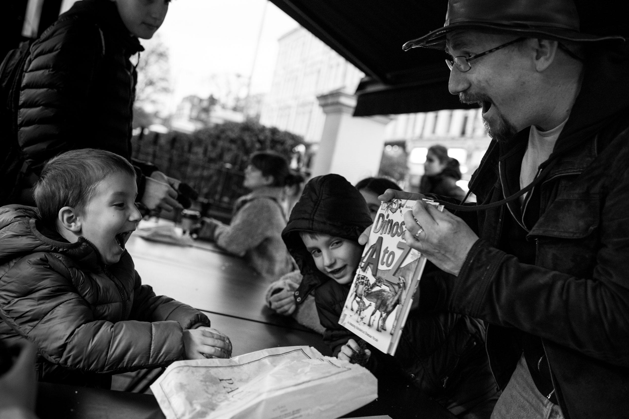 regala un servizio fotografico - Un servizio fotografico è un bellissimo regalo di compleanno, battesimo, babyshower, o un modo per dire a qualcuno quanto lo amiamo: uno di quei regali che acquistano valore col tempo. Regalare ricordi non ha prezzo. Contattami e parliamone!