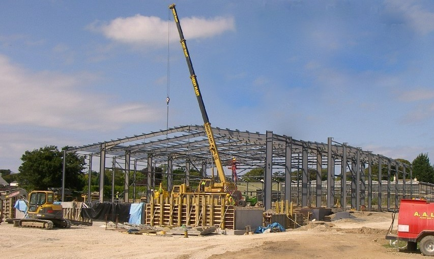 30m clear span structural steel frame during construction