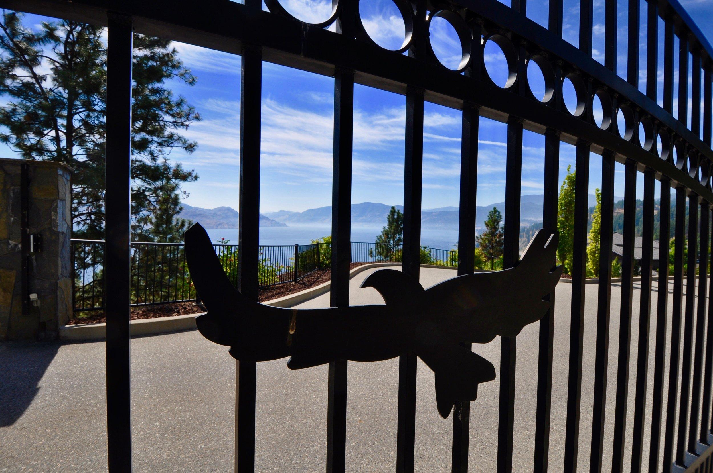 305 4350 Ponderosa Entry Gate.jpg