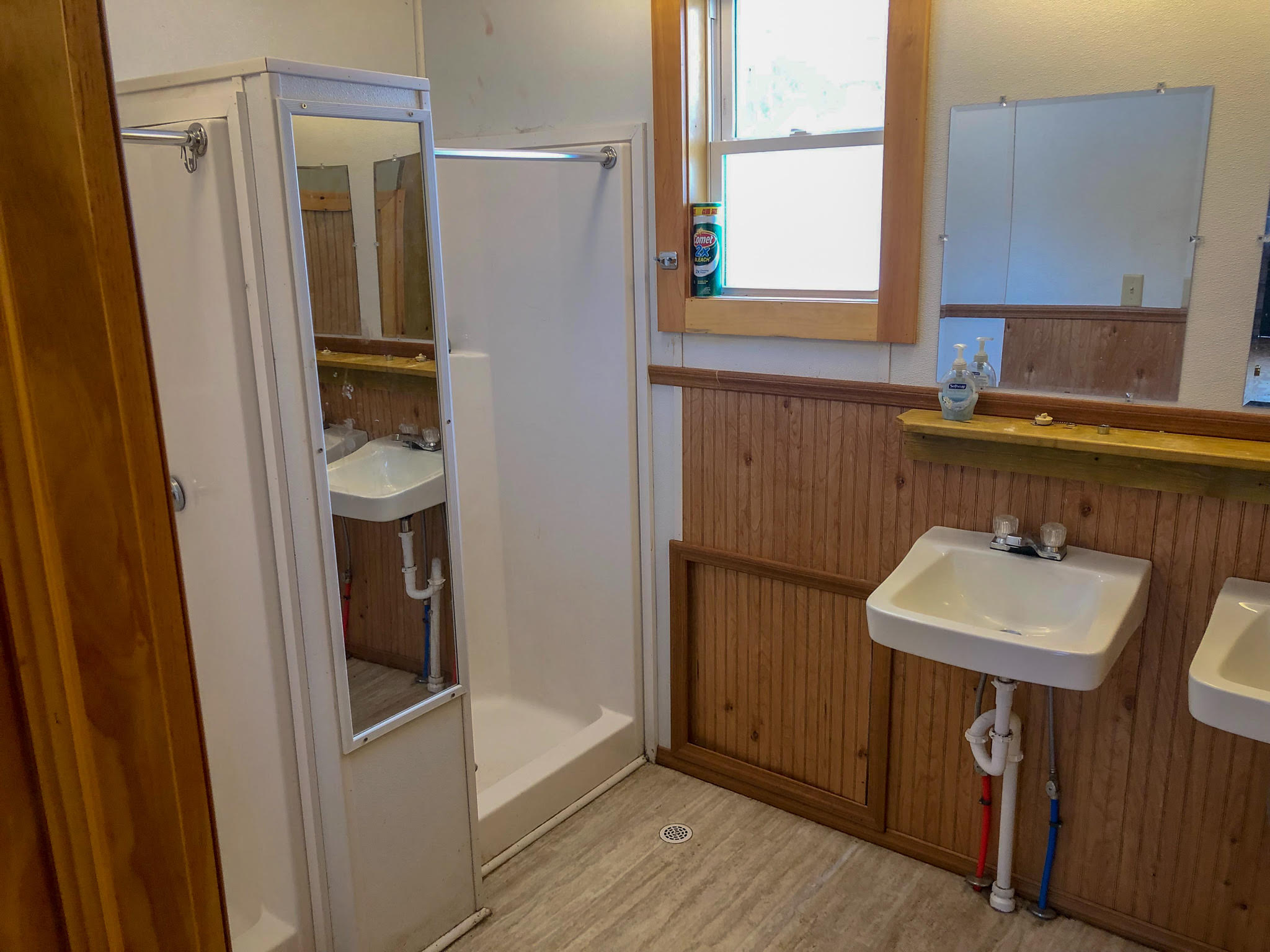 Copy of Cabin showers
