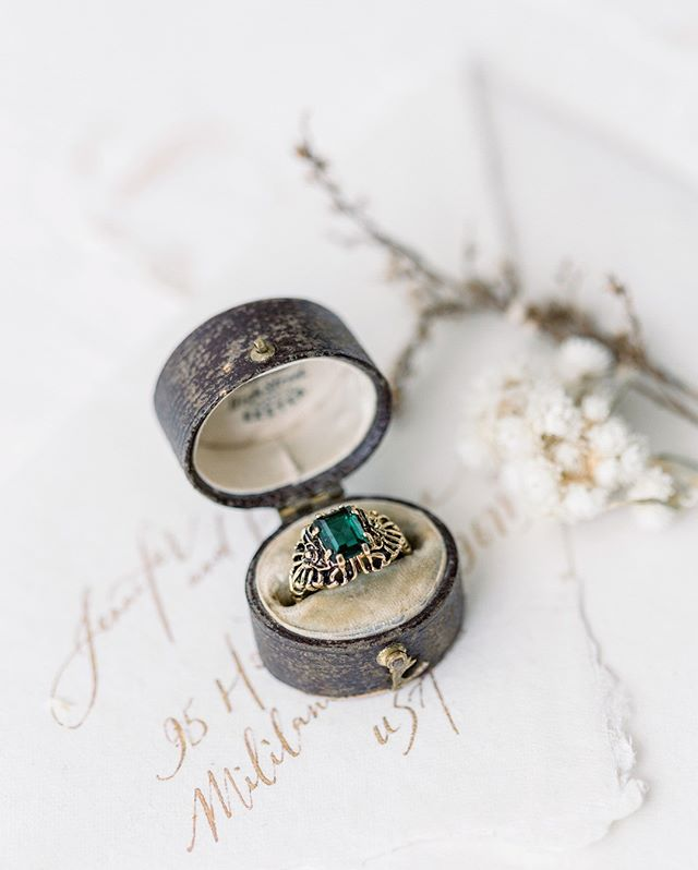 All the pretty details | I love photographing details, they're like little still lifes' that tell the story of your day. Add an extra hour to one of our collections to capture everything!⠀⠀⠀⠀⠀⠀⠀⠀⠀ .⠀⠀⠀⠀⠀⠀⠀⠀⠀ .⠀⠀⠀⠀⠀⠀⠀⠀⠀ studio/ring: @hemingwayfineartstudio⠀⠀⠀⠀⠀⠀⠀⠀⠀ styling: @dbhemingway⠀⠀⠀⠀⠀⠀⠀⠀⠀ pc: @jeannemariepics⠀⠀⠀⠀⠀⠀⠀⠀⠀ .⠀⠀⠀⠀⠀⠀⠀⠀⠀ .⠀⠀⠀⠀⠀⠀⠀⠀⠀ .⠀⠀⠀⠀⠀⠀⠀⠀⠀ .⠀⠀⠀⠀⠀⠀⠀⠀⠀ . ⠀⠀⠀⠀⠀⠀⠀⠀⠀ #vintageengagementring #hemingwayfineartstudio #hemingwayfineartflorist #elopeinhawaii #elopementinhawaii #hawaiiweddinginspiration #hawaiiwedding #elopementphotographer #hawaiiweddingphotographer #weddingphotographerhawaii #oahuweddingphotographer #hawaiidestiantionweddingphotographer #oahudestinationwedding #hawaiiweddingvenue #hawaiielopement #weddinginspiration #hawaiiluxurywedding #destinationweddinghawaii #hawaiihoneymoon #hawaiidestinationwedding #hawaiibride #jeannemariepics #bridetobe #weddinginspo #engagementring #engagedlife #rsgcommunity #socialcurator #calligraphyflatlay #weddingphotoinspiration