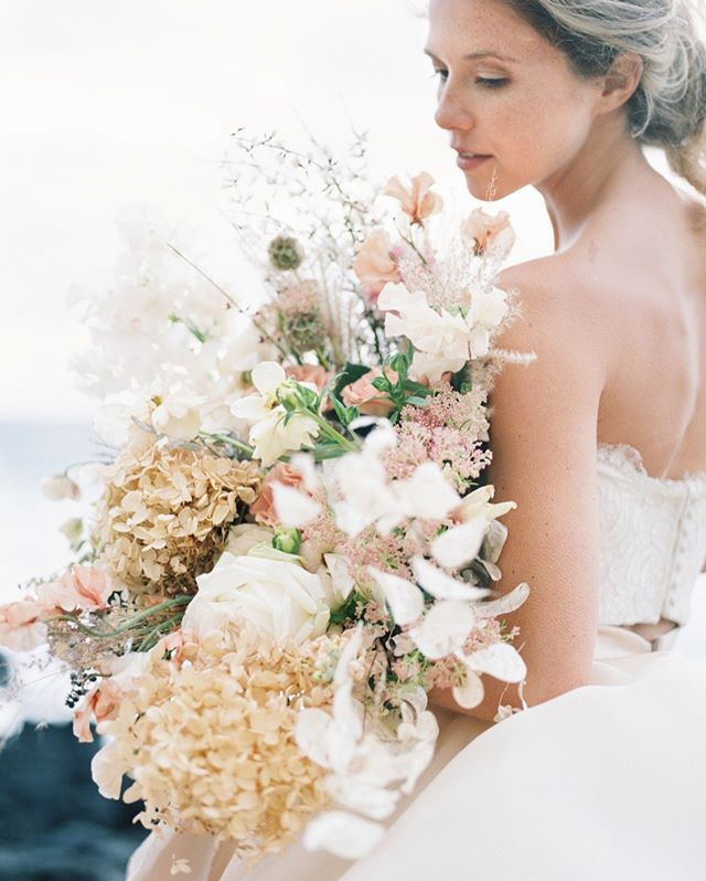 Bouquet Love | I see it over and over again. Elopement companies offering blah bridal bouquets. You see them. They're just a ball of flowers. I love our custom designed bouquets and you can even upgrade them to match your style even more so.⠀⠀⠀⠀⠀⠀⠀⠀⠀ .⠀⠀⠀⠀⠀⠀⠀⠀⠀ .⠀⠀⠀⠀⠀⠀⠀⠀⠀ bouquet: @dbhemingway⠀⠀⠀⠀⠀⠀⠀⠀⠀ hmua: @revealhairandmakeup⠀⠀⠀⠀⠀⠀⠀⠀⠀ pc: @jeannemariepics⠀⠀⠀⠀⠀⠀⠀⠀⠀ .⠀⠀⠀⠀⠀⠀⠀⠀⠀ .⠀⠀⠀⠀⠀⠀⠀⠀⠀ .⠀⠀⠀⠀⠀⠀⠀⠀⠀ .⠀⠀⠀⠀⠀⠀⠀⠀⠀ .⠀⠀⠀⠀⠀⠀⠀⠀⠀ #hawaiiflorist #hawaiibridalbouquet #blushbridebouquet #floraldesigner #hawaiiweddingvenues #elopeinhawaii #elopementinhawaii #hawaiiweddinginspiration #elopementphotographer #hawaiiweddingphotographer #weddingphotographerhawaii #hawaiidestiantionweddingphotographer #oahudestinationwedding #hawaiiweddingvenue #hawaiielopement #weddinginspiration #hawaiiluxurywedding #destinationwedding #destinationweddinghawaii #hawaiihoneymoon #hawaiidestinationwedding #hawaiibride #jeannemariepics #weddinginspo #engagedlife #rsgcommunity #adventurouswedding #weddingphotoinspiration #jeannemariepics #dbhemingway