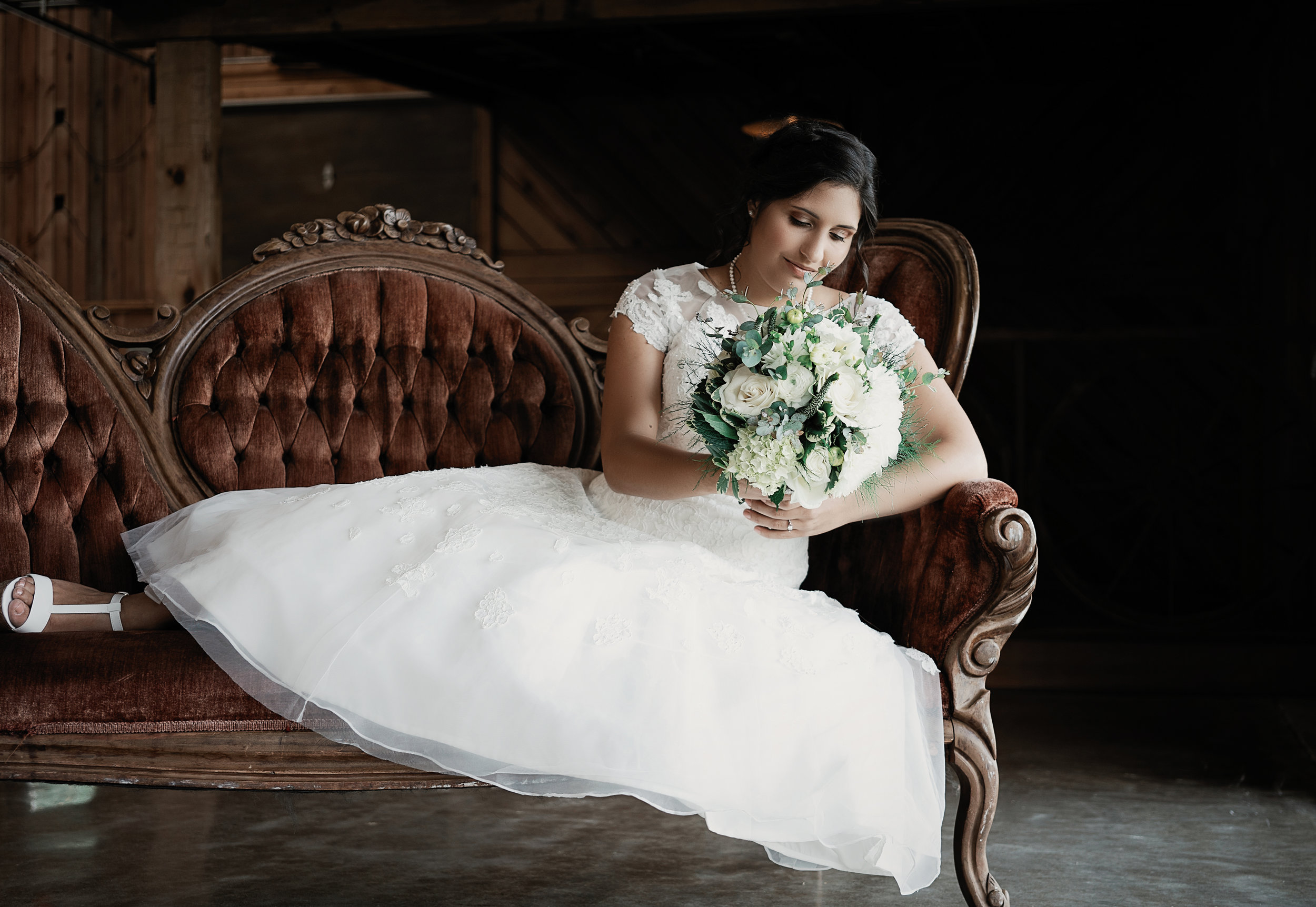 """Pictures are best – this is the most luxurious and well equipped """"barn"""" ever! - Your wedding here can be completely turnkey with the venue handling décor, food, photography and music. Or, you can choose to provide for these on your own, with approved vendors."""