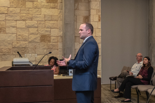 Tim Smith, representing Lincoln Property Management on behalf of Sleep Number, addresses commissioners' questions.