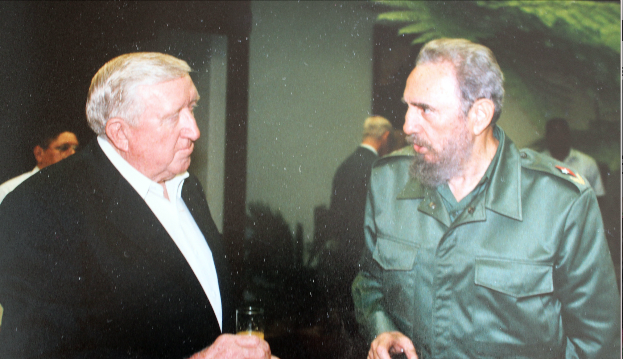 Dale Spurgin during a casual conversation with Fidel Castro