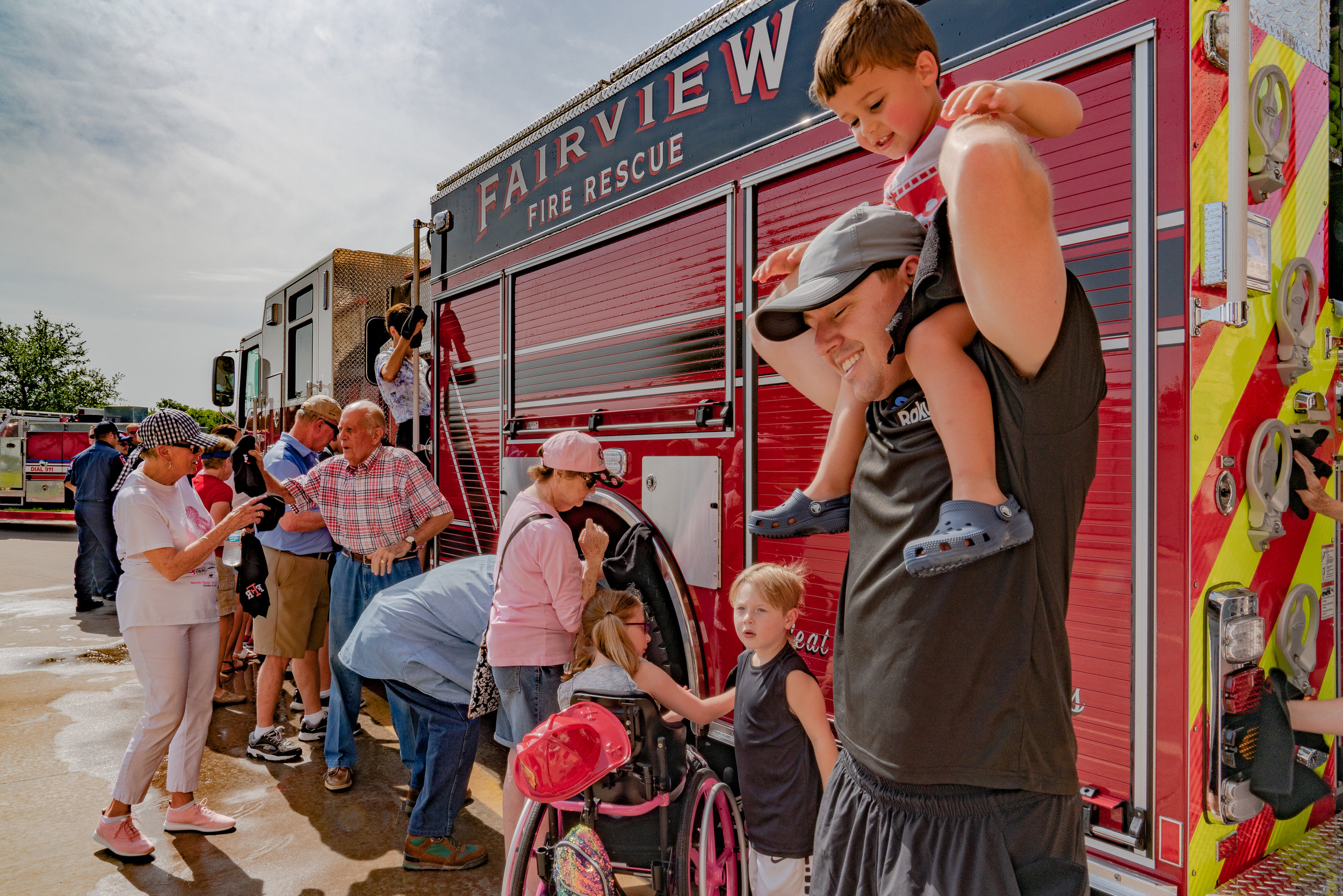 fire coverEight generations towel off Engine 752.jpg