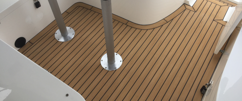 Broom 425 2G decks flexiteek .jpg