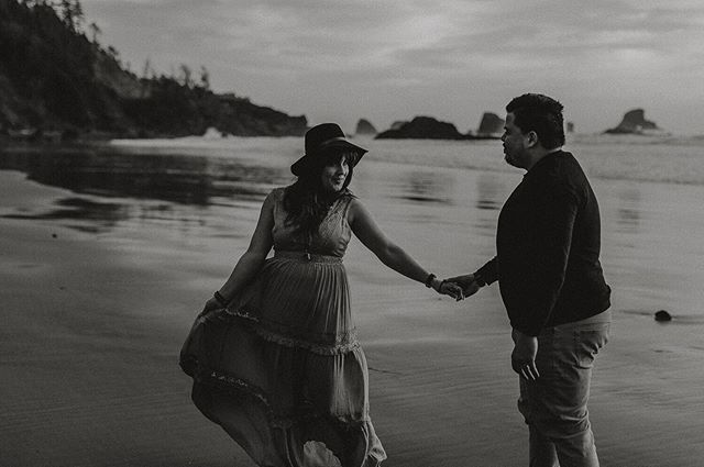 I'm waiting at the beach to photograph my first surprise engagement/ proposal today! It's gonna be awesome! . . . . . . . #arcadiabeach #pnwengagement #oregoncoast #surpriseproposal #pnwphotography #pnwportraits #blackandwhite