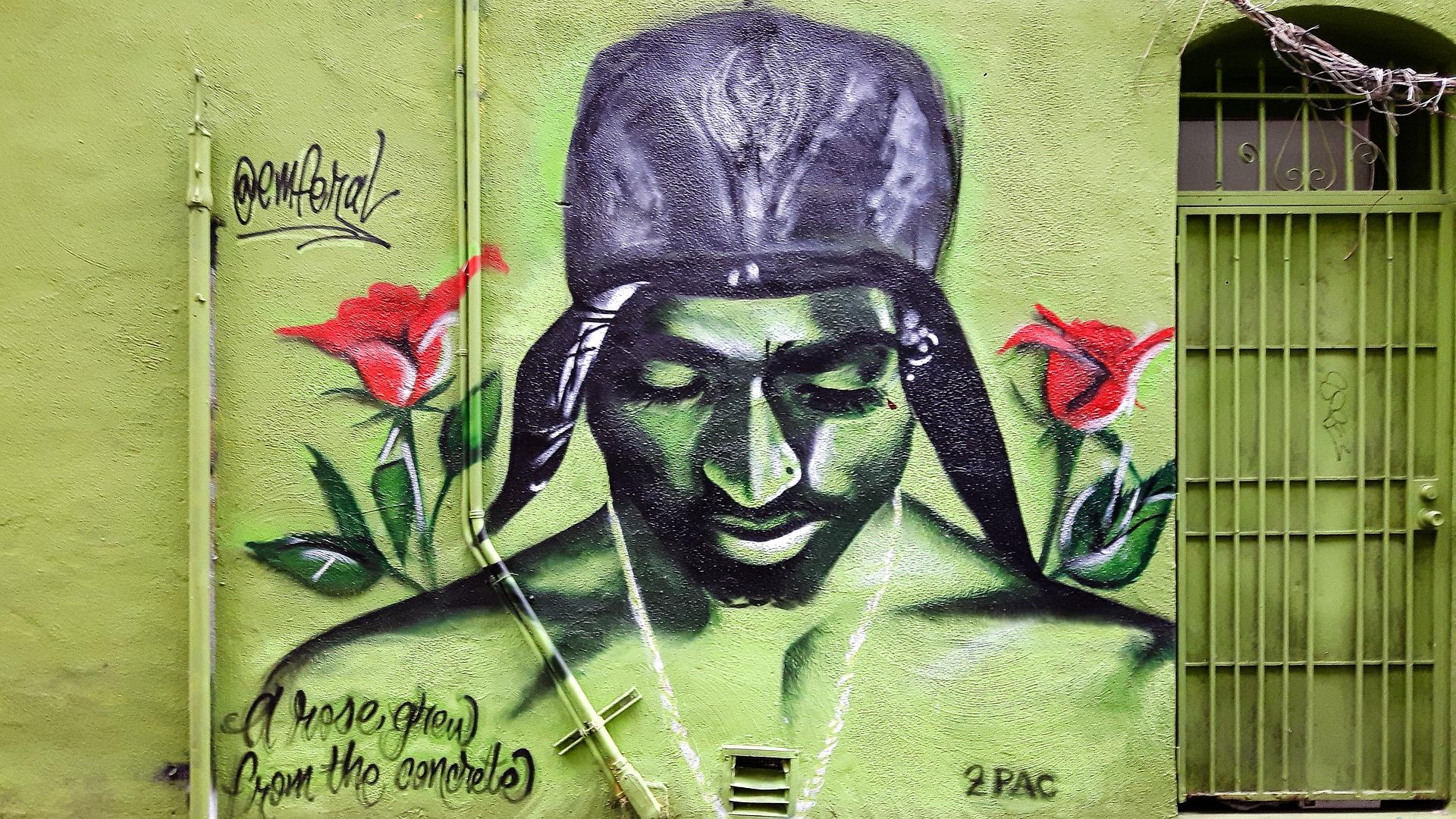 graffiti-tupac.jpg