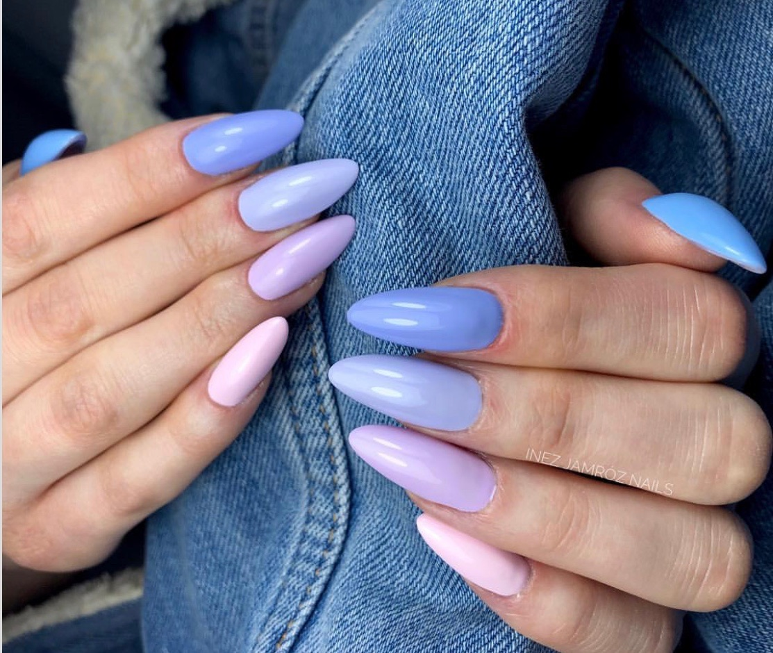 Ombre nails in one tone