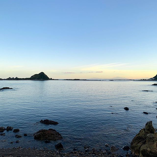 Getting closer to summer! Warmer & Lighter nights 💙#naturalbeauty #wellington #islandbay #newzealand #view #landscape #beach #island #sunset #bluesky #spring #summer #sea #nature #beauty #love #calm #serene #beautiful