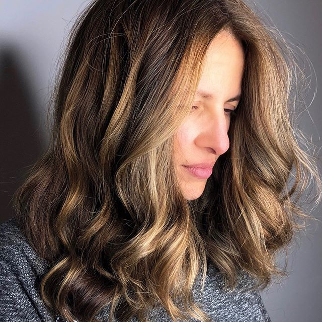 Golden Highlights 💛 #bronde #lucahairstyling #wellington #hairsalon #haircolour #highlights #love #hairstyle #inspo #style #foils #colour #golden #warm #tone #inspo #texture #hairdressers #body #volume #shine