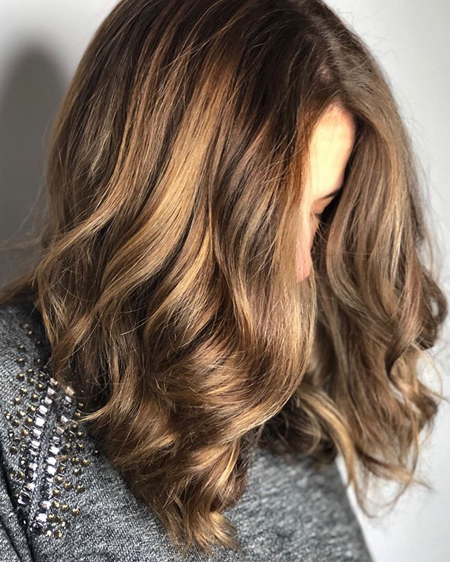 Soft Golden Highlights 💛 #bronde #lucahairstyling #wellington #hairsalon #haircolour #highlights #love #hairstyle #inspo #style #foils #colour #golden #warm #tone #inspo #texture #hairdressers #body #volume #shine #soft #healthyhair #wave #texture #tone #warm #summer
