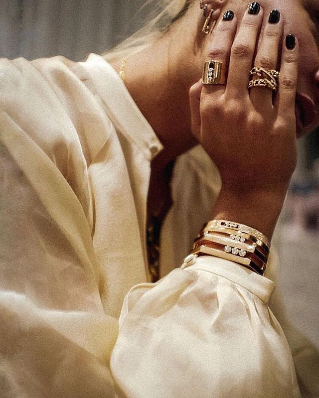 Beauty in the smaller details 🖤 #fashioninspo #aesthetic #jewlery #accessories #simple #neutral #gold #inspo #repost #love #fashion #style #lifestyle #rings #bracelets #nails #black