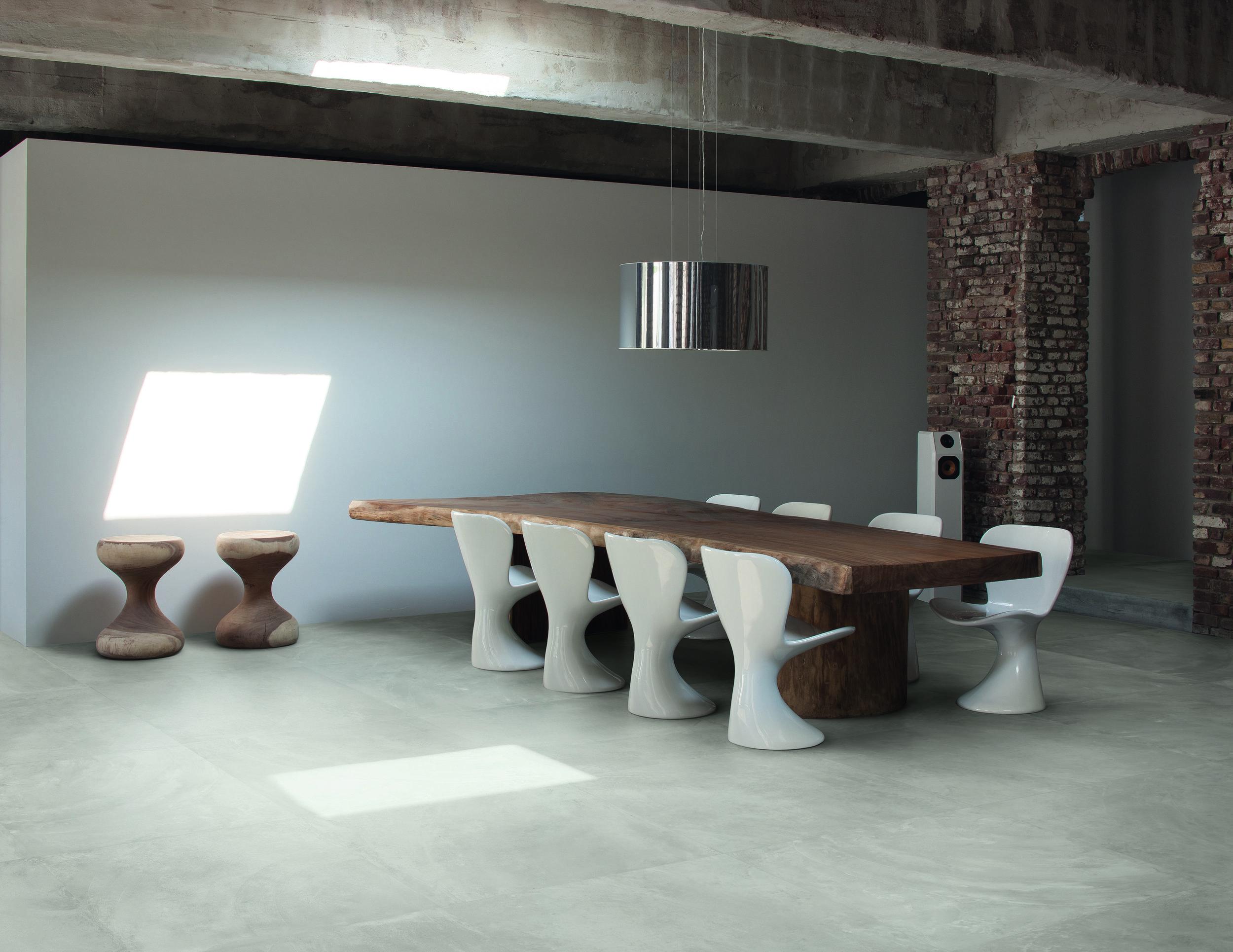 Architect Berlin Grey nat 80x80 Amb living.jpg