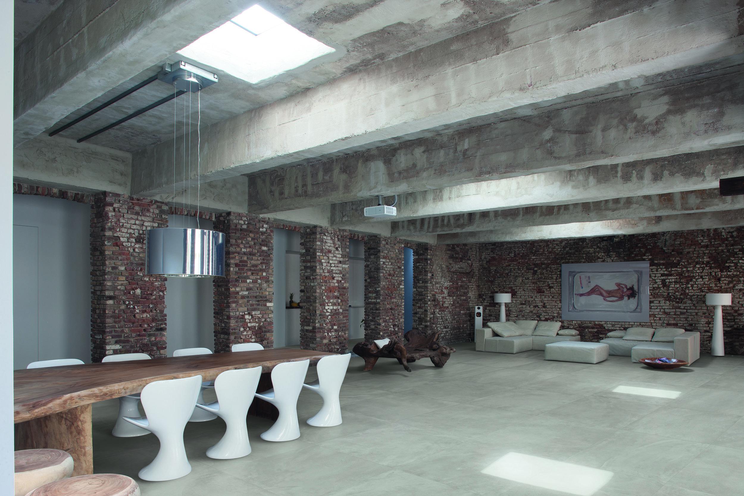 ArchitectResin BerlinGrey nat 80x80 Amb living.jpg