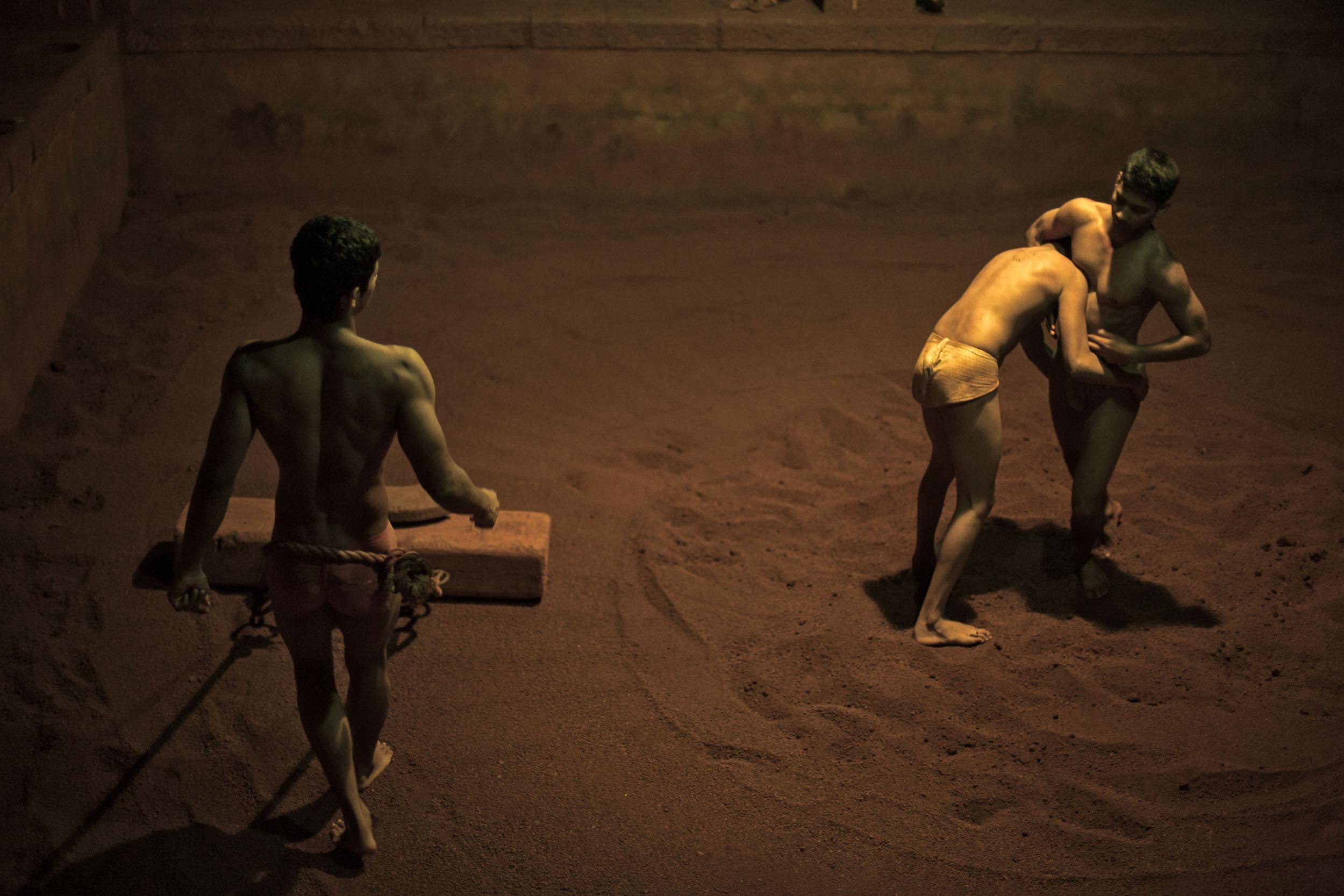 Sindhur_Photography_Travel_People_Wrestlers-1.JPG