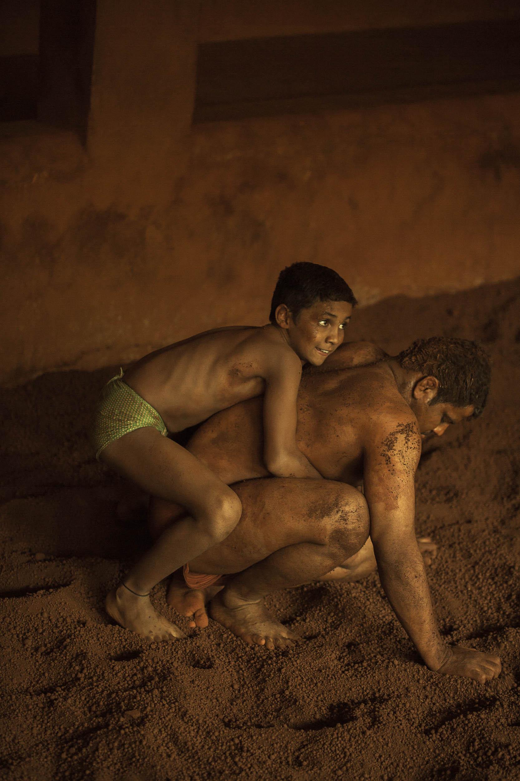 Sindhur_Photography_Travel_People_Wrestlers-27.JPG