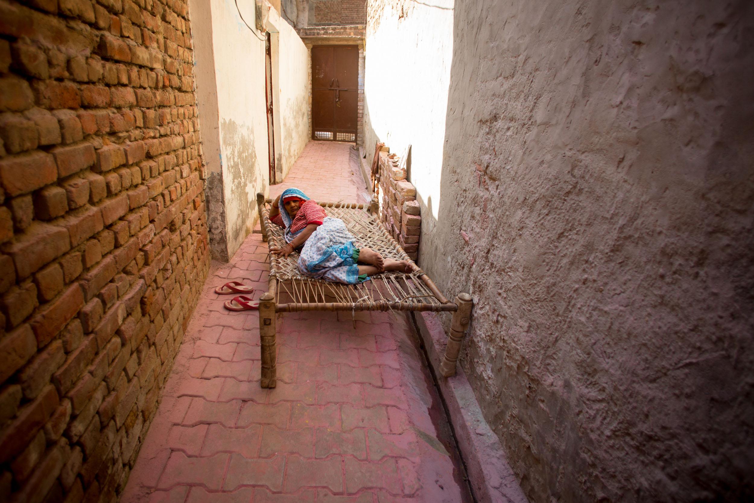 Sindhur_Photography_Travel_People_Holi-24.JPG