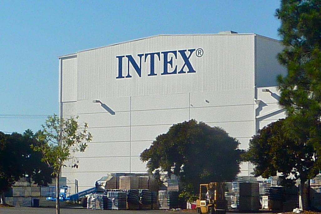 INTEX painted graphic mural