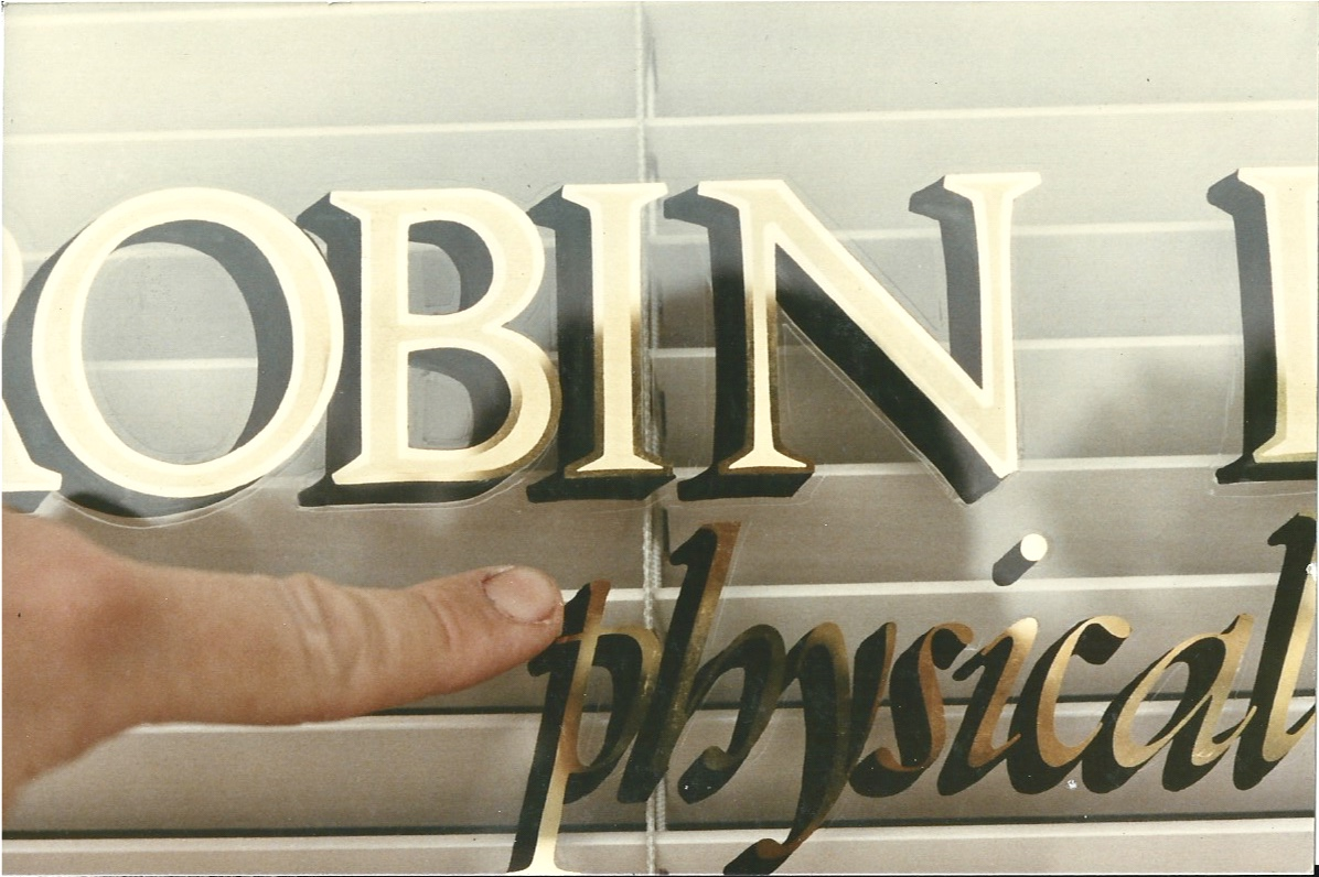 Robin Smith gold leaf reverse hand lettering on glass detail