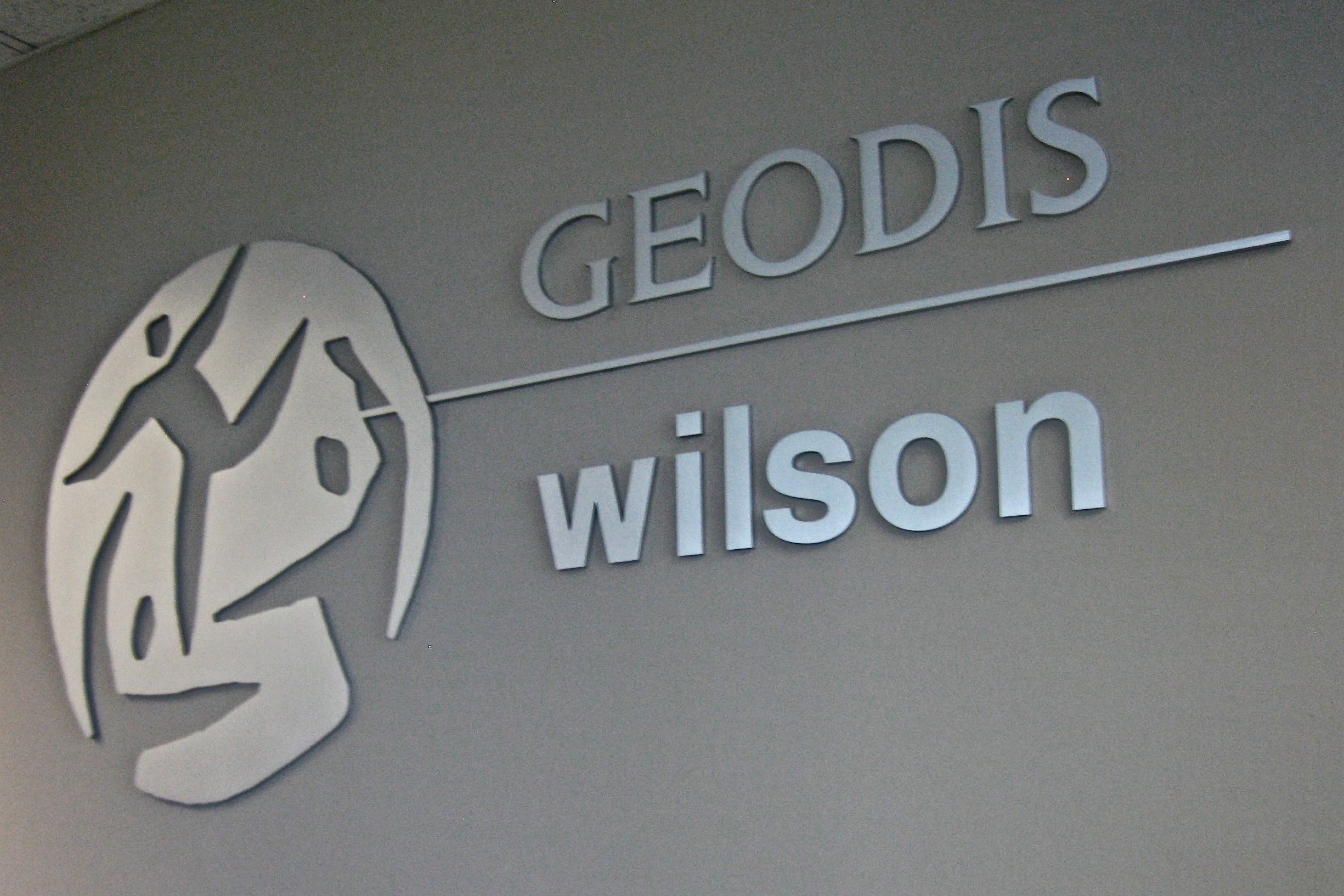 Geodis Wilson reception dimensional logo