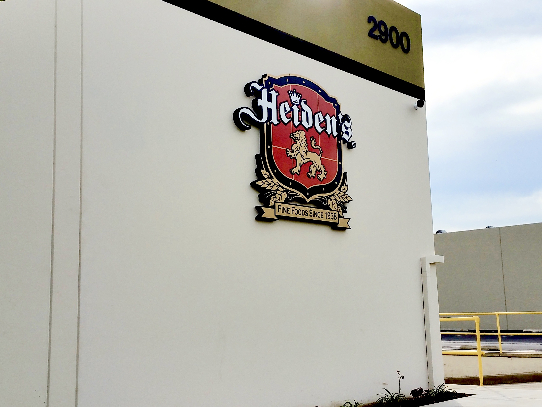 Dimensional exterior logo and letters