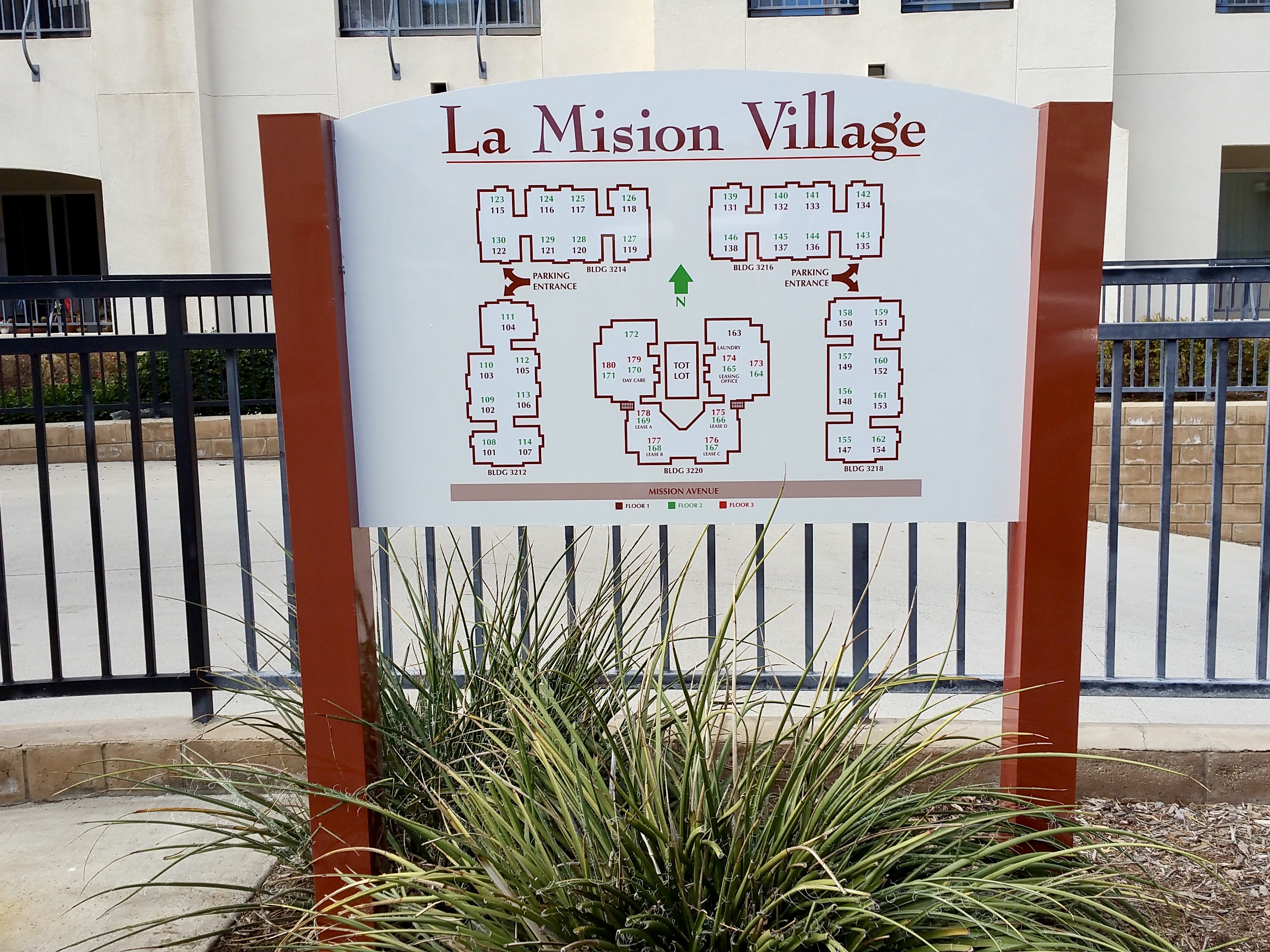 La Mision Village post & panel sign