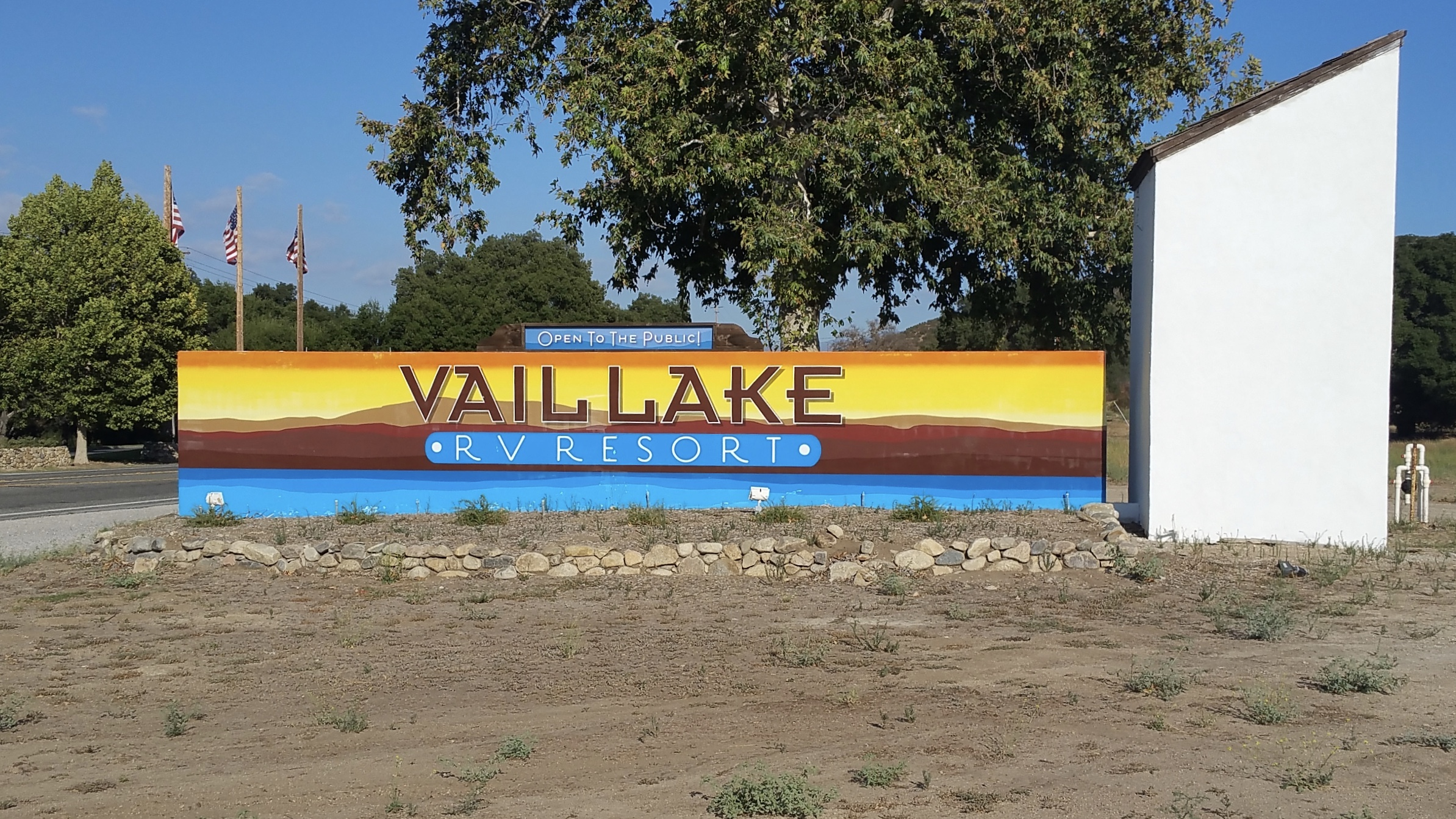 Vail Lake RV Resort monument sign