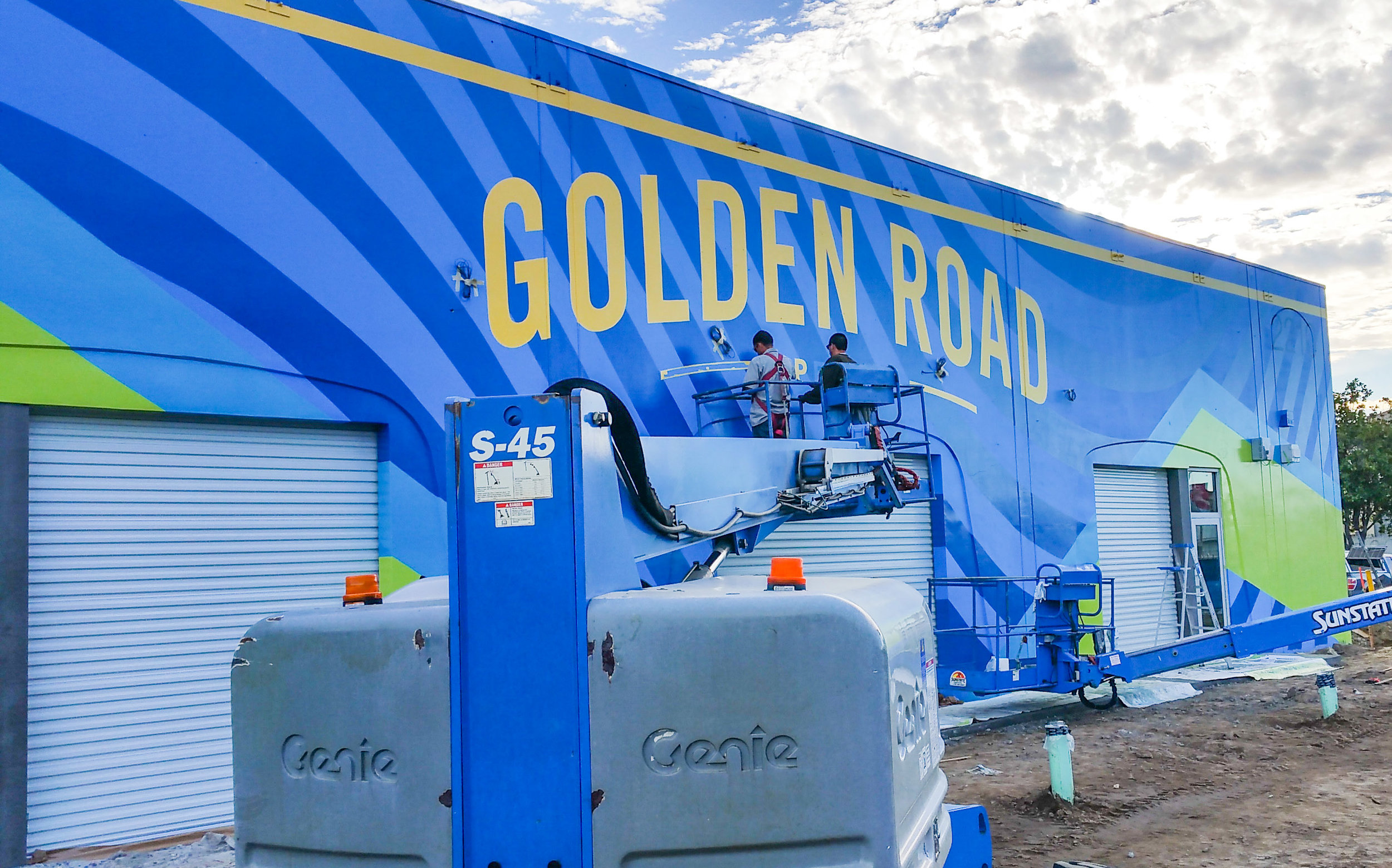 Golden Road Brewing - Anaheim CA - HAND PAINTED MURAL GRAPHICS - painting progress