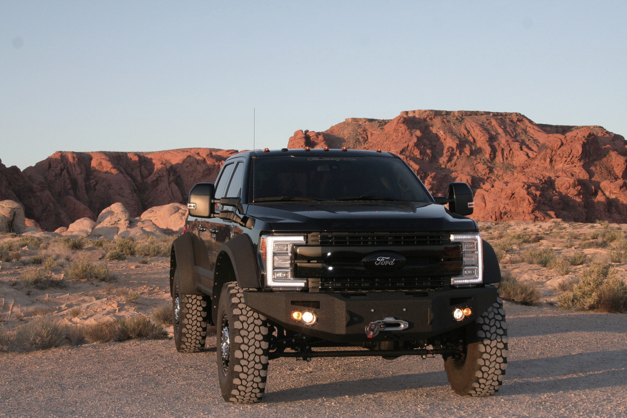 Ford F550 Severe Duty Super Single Conversion