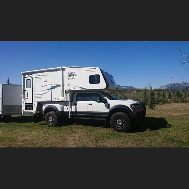 The Severe Duty Pickup Camper is the ideal way to camp anywhere #ford #expeditioncamping @expeditionportal #severeduty #offroad #fordf550 #dieseltrucks #fordf450 #f450 #f550 #fordnation #fordpower #supersingleconversion #supersingle #aluminumbody #alumiduty #fordsuperduty #powerstroke #6.7l #offroading #farmtruck #continentaltires #severeduty