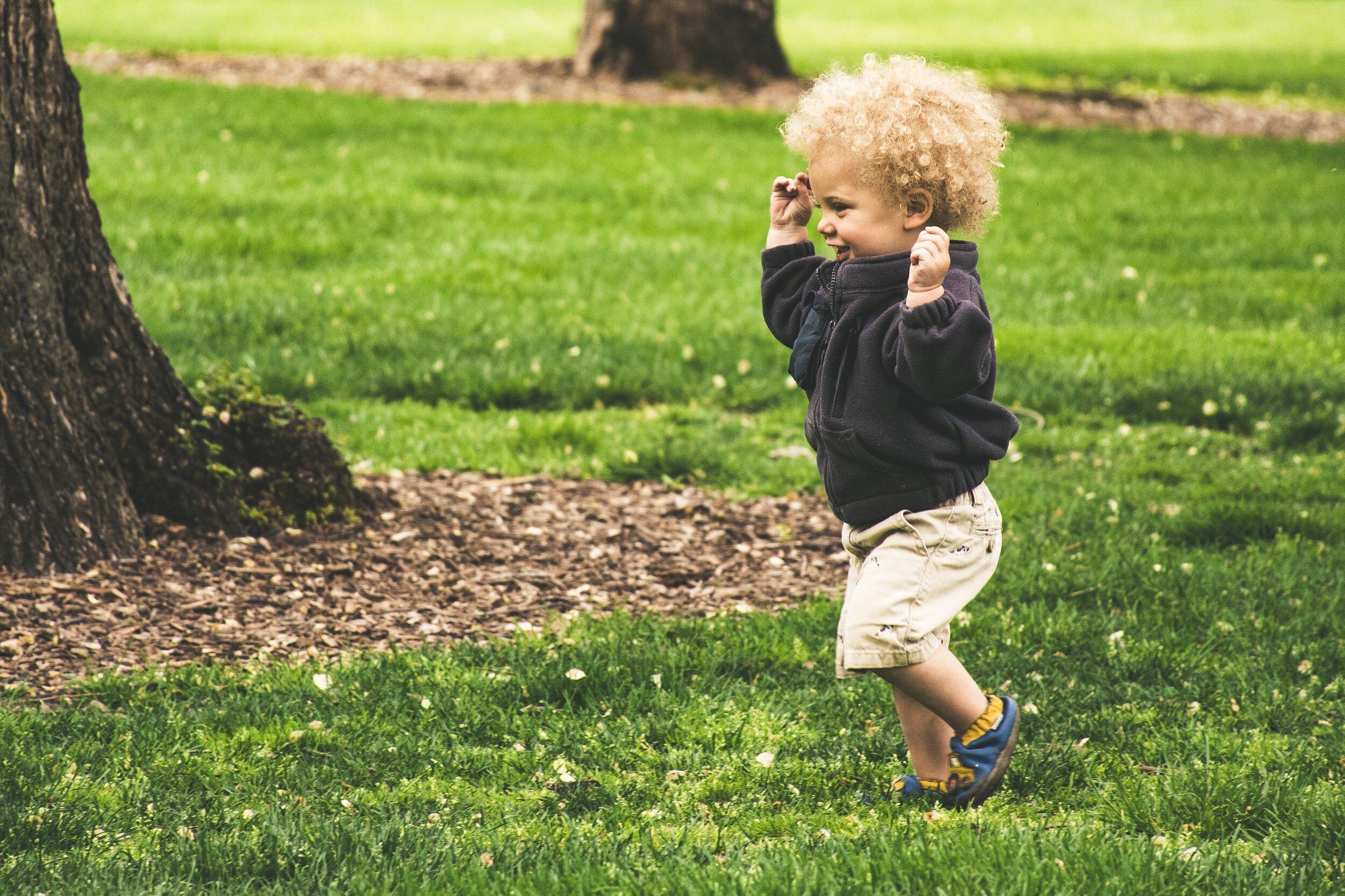 photo-of-toddler-running-1073088.jpg