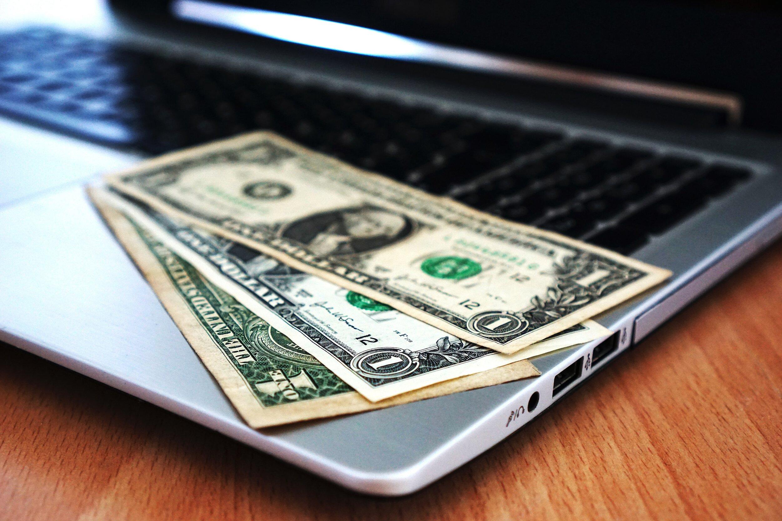 1-us-dollar-bill-163056.jpg