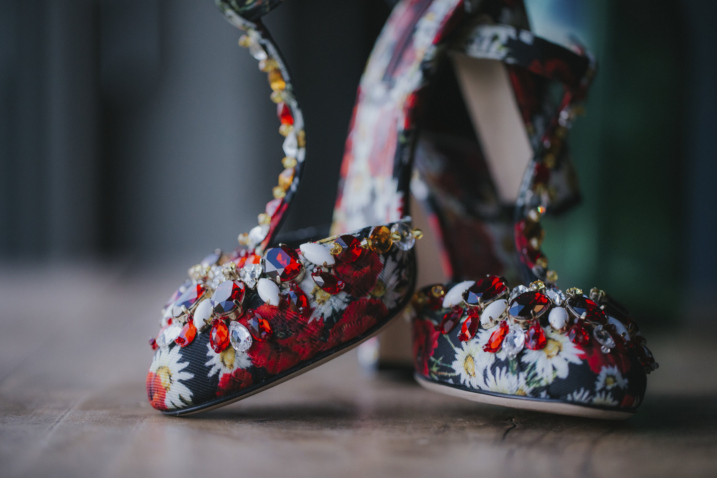 anna-mario-wedding-kreinbacher-birtok-shoes