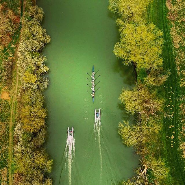 Great day out yesterday filming for @oubc.squad in preparation for The Boat Race this weekend . . . . . . . . . . . . . . . #dji #dronepilot #theboatrace2019 @theboatraces @oxford_uni #rowing #rowinglife #oxfordrowing #oxfordblue #oxfordblues #riverthames #rowingbible #aerialphoto #aerialsilks #djiinspire2 #djiinspire #djicreator @djiglobal @dronepals @droneofficial #dronephotography