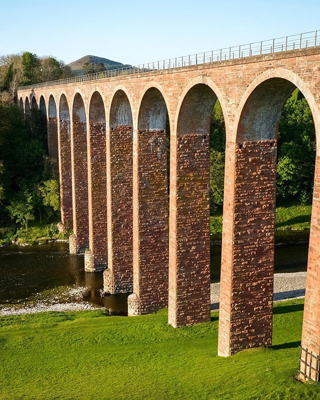 After a long day filming in Northumberland and on my way back to Scotland I came across this beautiful viaduct and had to stop for a closer look 🚁🎥 __________________________________ . . . . . . . . . . . #dji #djiinspire2 #inspire2 @djiglobal #leaderfoot #leaderfootviaduct #viaduct #rivertweed #tweedriver #rivertweedscotland #drone #dronephotography #dronephotographer #dronephotograhy #dronepals @dronepals @drone #scotlandtravel #scottishboarders #epicdronepix @epicdronepix