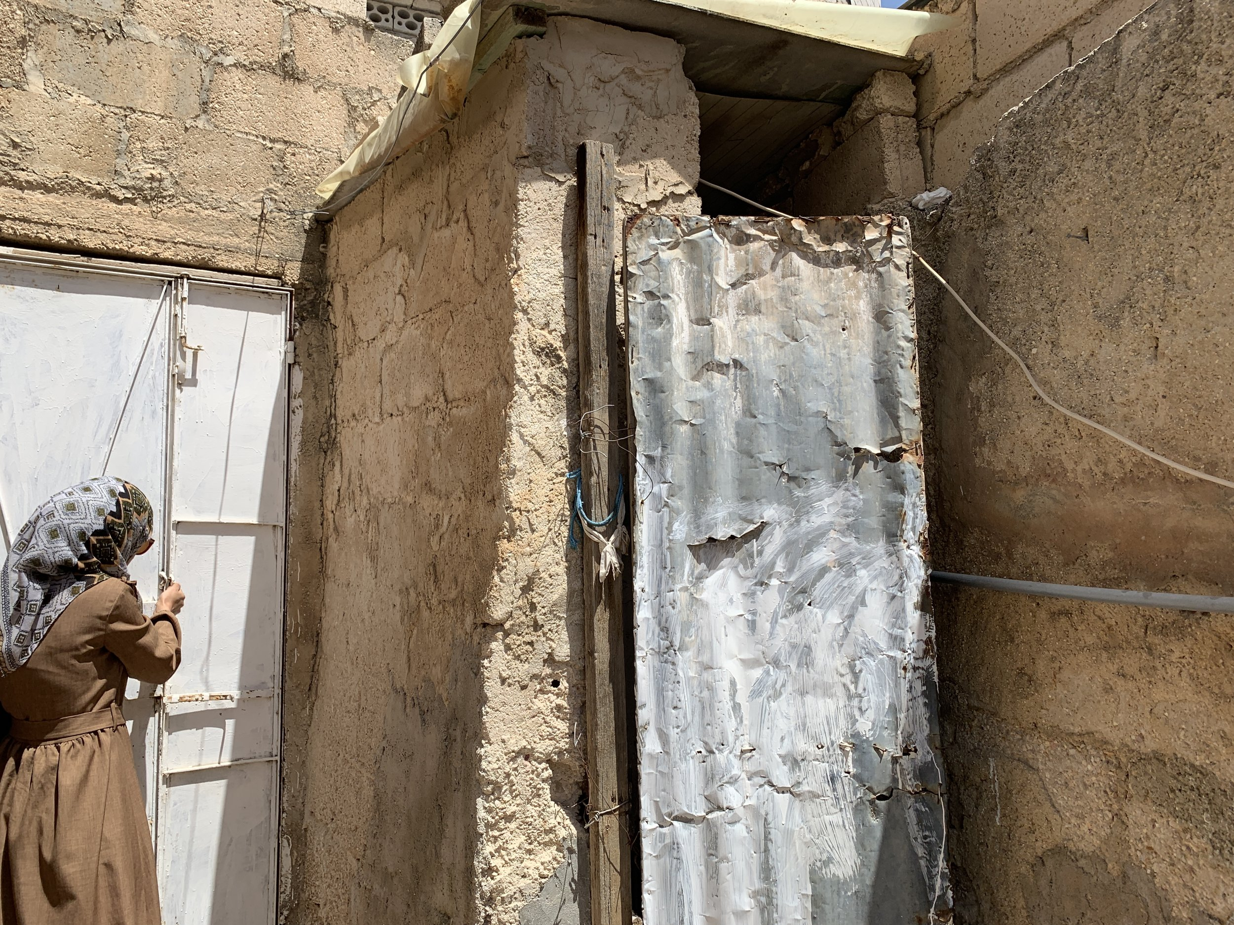 Fixing doors - Helping people with privacy by installing new doors