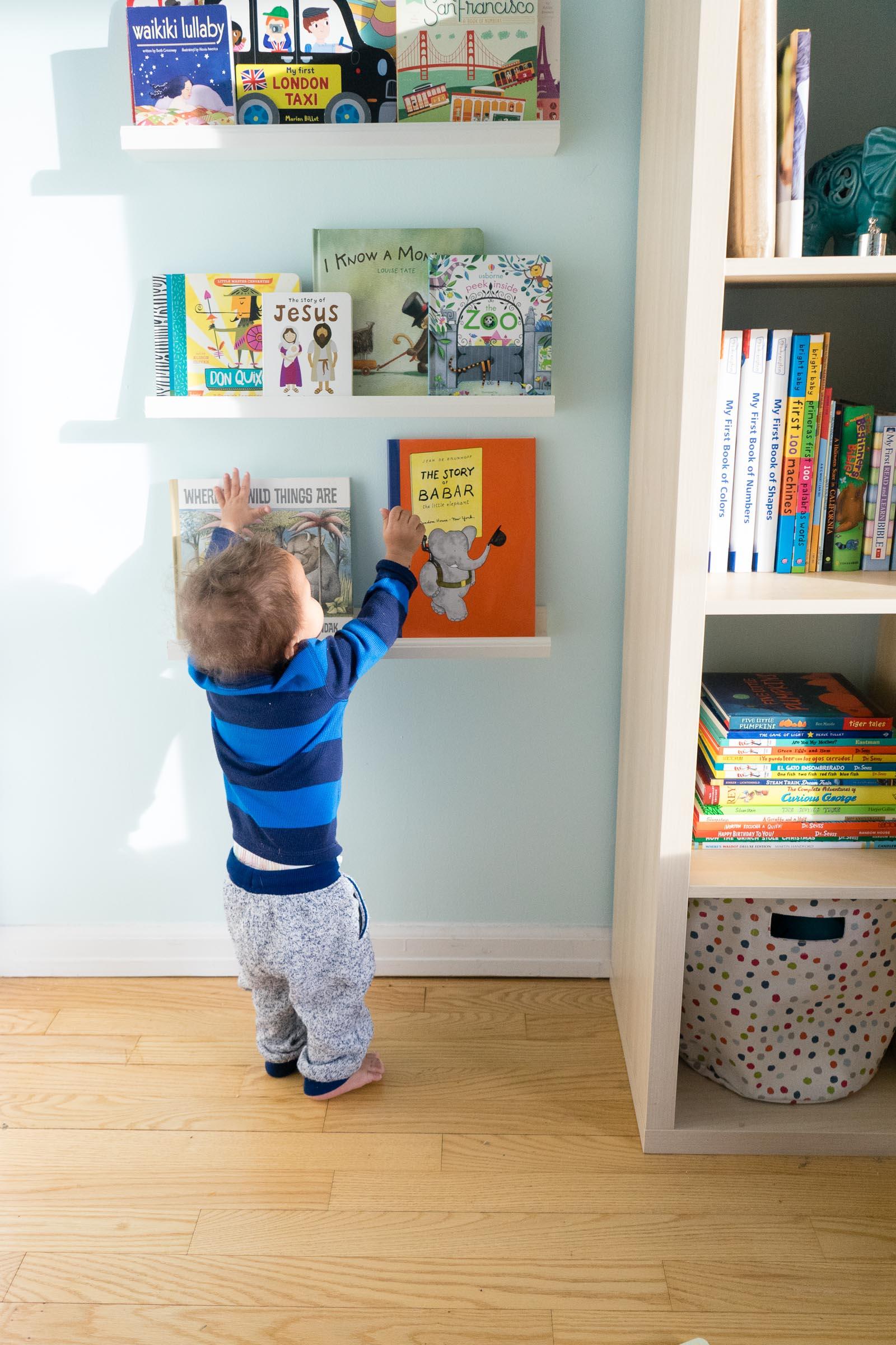 nursery-room_toddler-books_DIY_-book-display-25.jpg