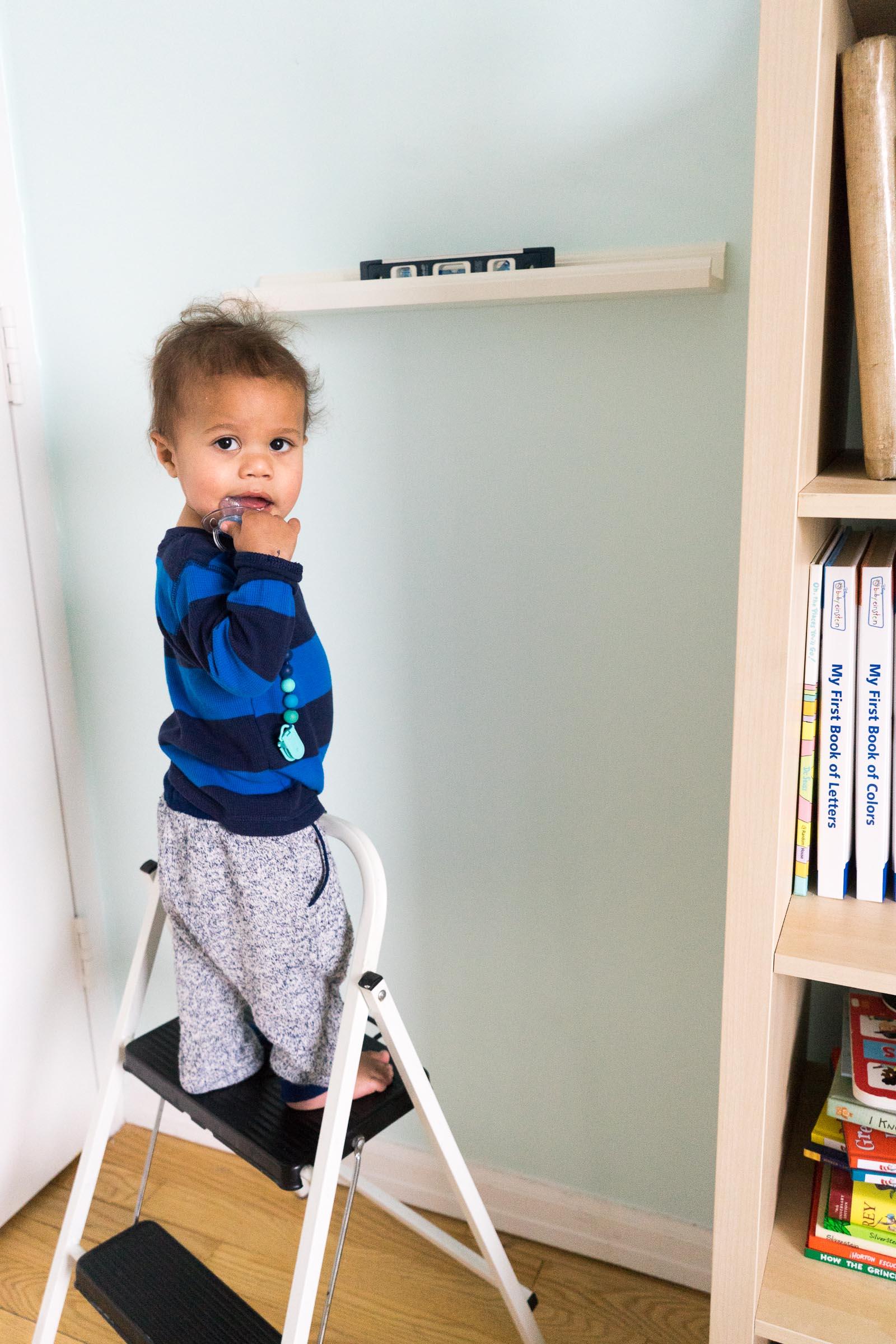 nursery-room_toddler-books_DIY_-book-display-7.jpg