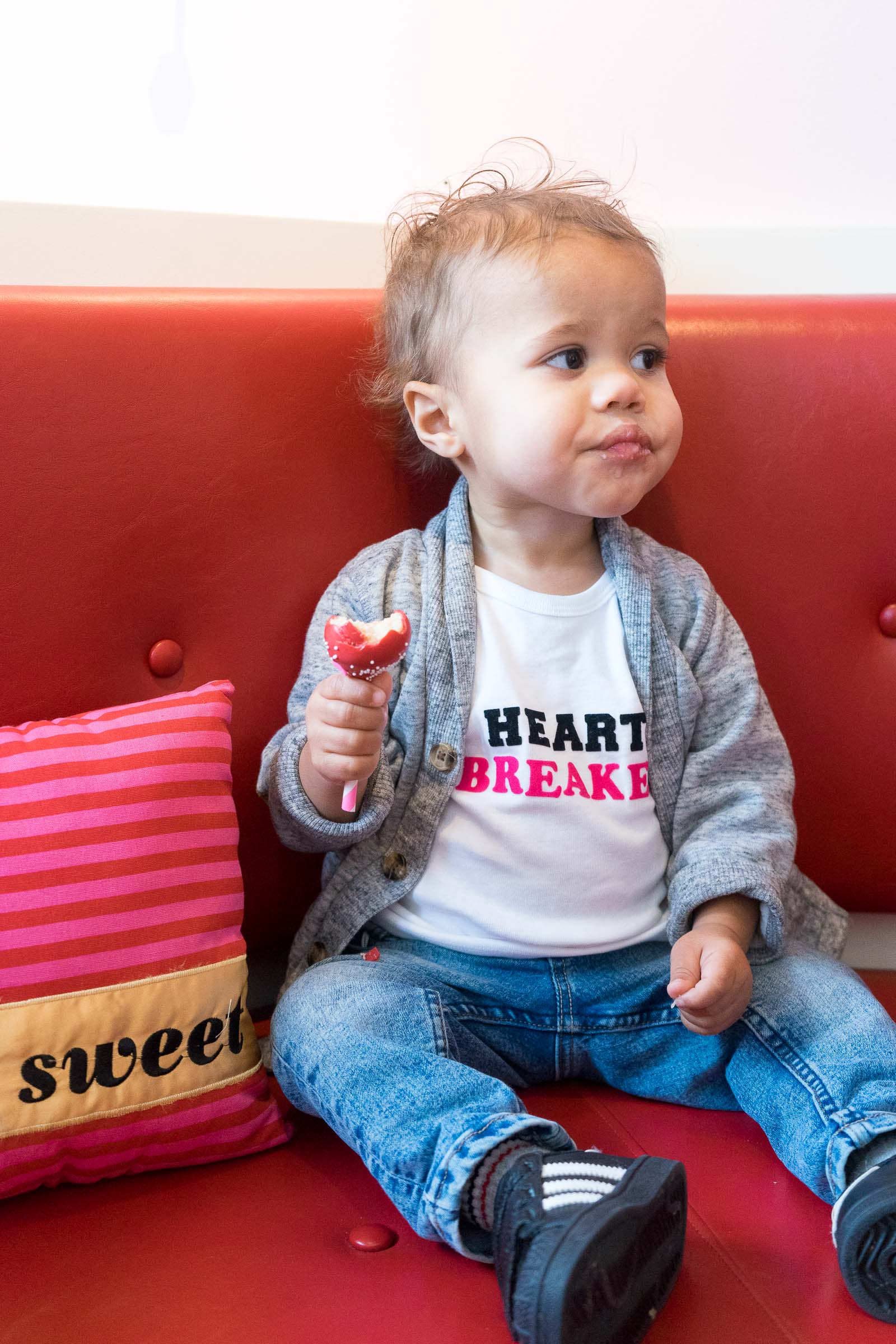 valentines-day-diy_toddler-style_pink-canery-10.jpg