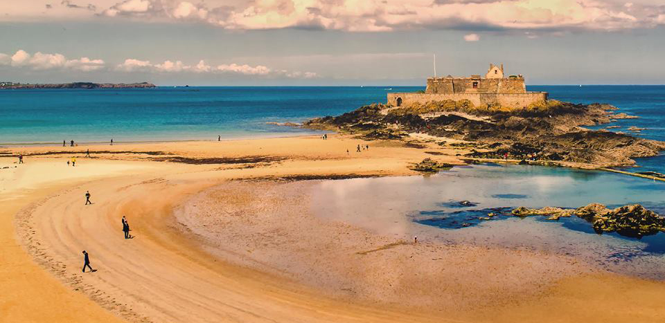 St-Malo-Plages-peniche-cancale.jpg