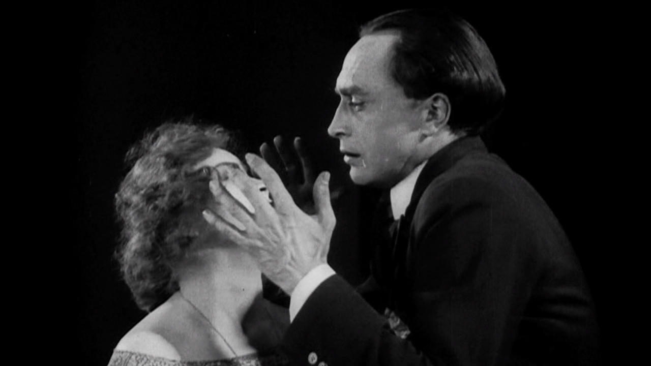The Hands of Orlac (Credit: Pan-Film)