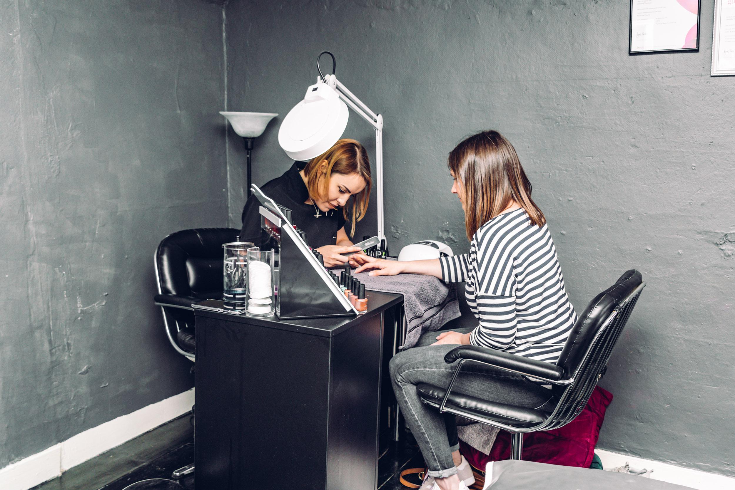 Icarus Hairdressing 12.jpg